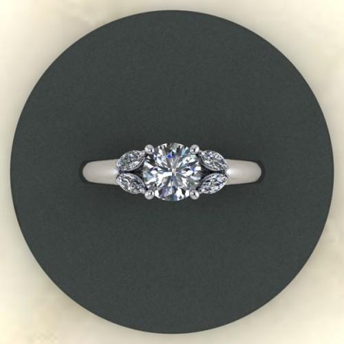 121998 Diamontrigue Jewelry